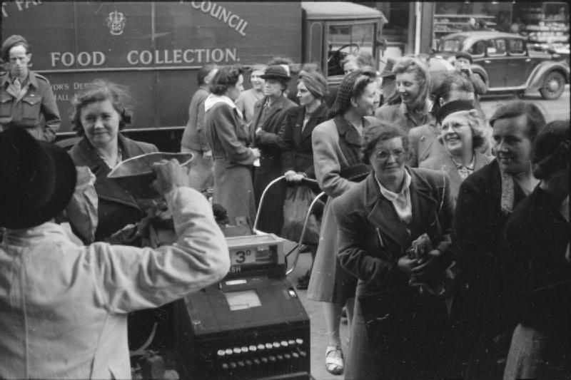 Britain_Queues_For_Food-_Rationing_and_Food_Shortages_in_Wartime,_London,_England,_UK,_1945_D24986
