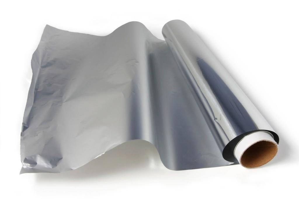 07-everyday-kitchen-gadgets-aluminum-foil-1024x683