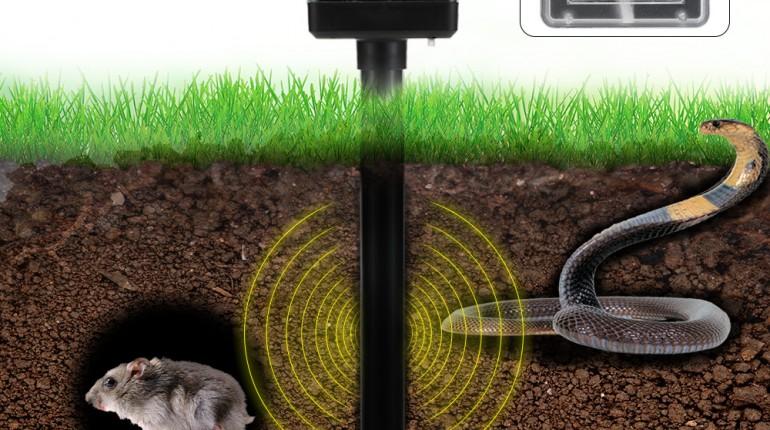 2Pcs-Solar-Powered-Sound-Wave-Sonic-Repeller-Outdoor-Garden-Yard-Farm-Mouse-Vole-Mole-Scarer-font