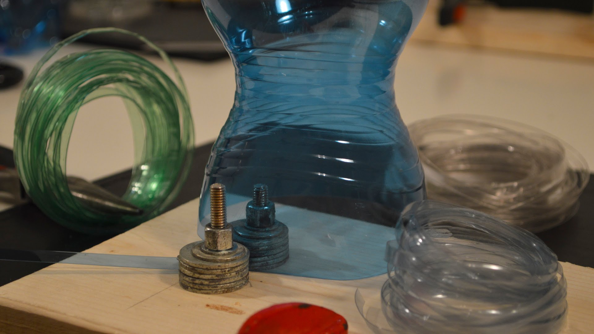 This Amazing Trick Turns Plastic Bottles Into Wire And